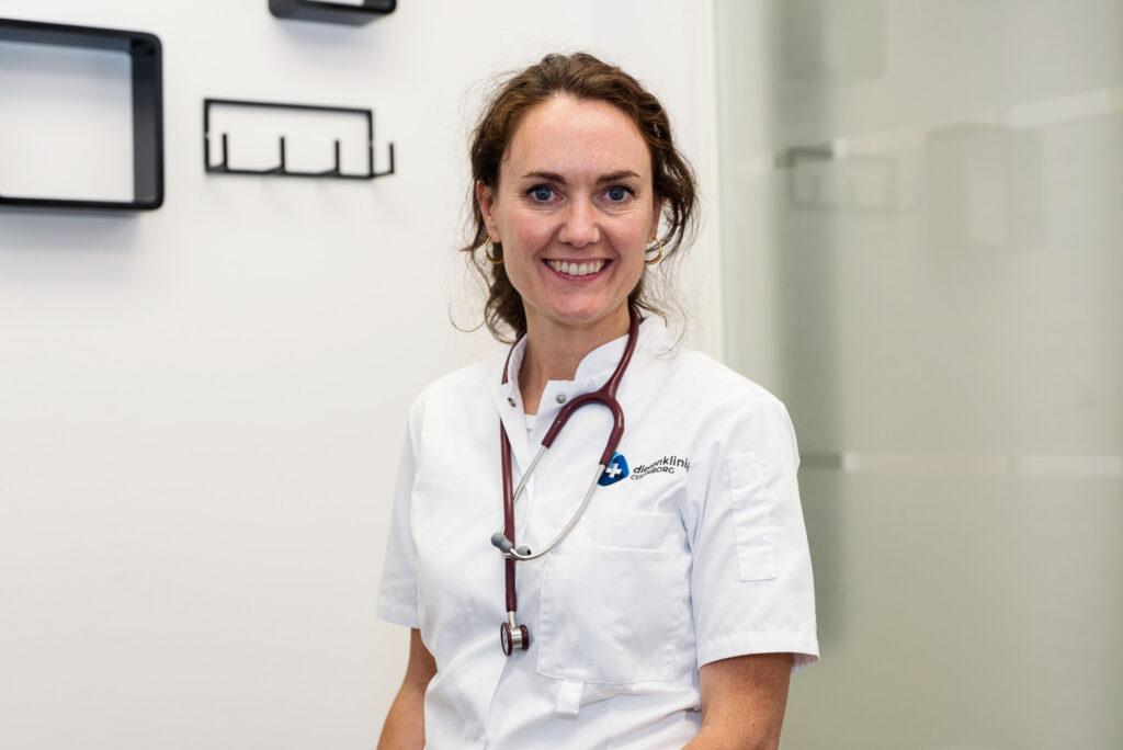 Drs. Eileen Griffith Dierenarts / eigenaar kliniek