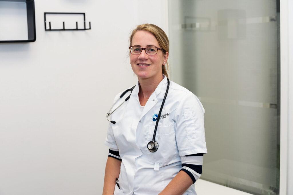 Drs. Lona Jansen-van der Duijn Schouten